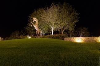 """Version monumentale de la statue """"La joie de vivre"""", de Stanko Kristic"""