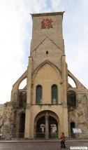 La Tour Charlemagne, autre monument indissociable de la Basilique