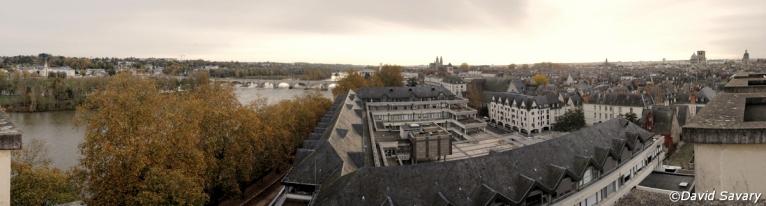 """Panorama par collage de la vue """"Est"""" depuis le haut de la Tour de l'université François Rabelais"""